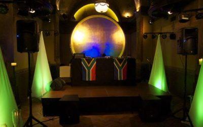 DJ Equipment in Bern mieten: Boxen und Lichteffekte