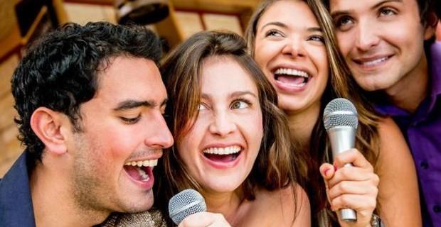 Karaoke für Hochzeit & Weihnachtsfeier