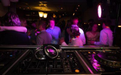 Warum Sie einen DJ für Ihr nächstes Firmenevent buchen sollten